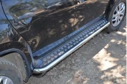 Пороги с накладным листом Nissan Terrano