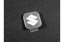 Заглушка фаркопа с логотипом Suzuki