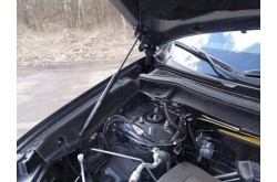 Амортизатор капота Mitsubishi Outlander 3 рестайлинг