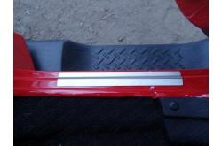 Накладки на пороги Jeep Wrangler 3D