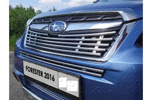 Решетка радиатора Subaru Forester SJ рестайлинг средняя 12мм