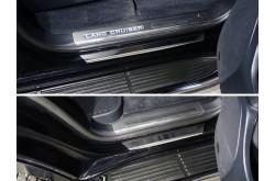 Накладки на пороги с загибом Toyota Land Cruiser 200 Executive