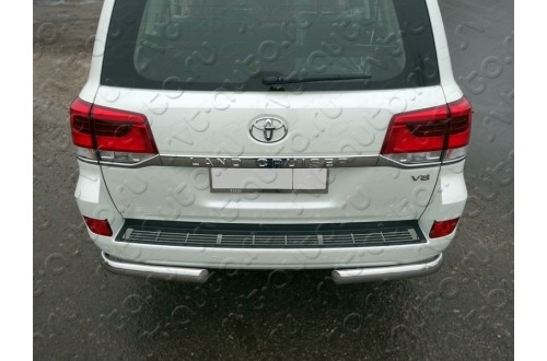 Накладка на задний бампер Toyota Land Cruiser 200