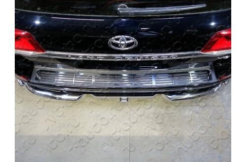 Накладка на задний бампер Toyota Land Cruiser 200 Excalibur