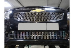 Решетка радиатора Chevrolet Cruze нижняя