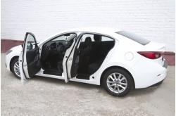 Накладки на внутренние пороги передних дверей Mazda 3 BM седан