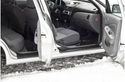Накладки на внутренние пороги дверей Nissan Almera N16 рестайлинг