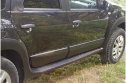 Молдинги на двери Nissan Terrano 3