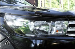 Реснички на фары Toyota Hilux 8